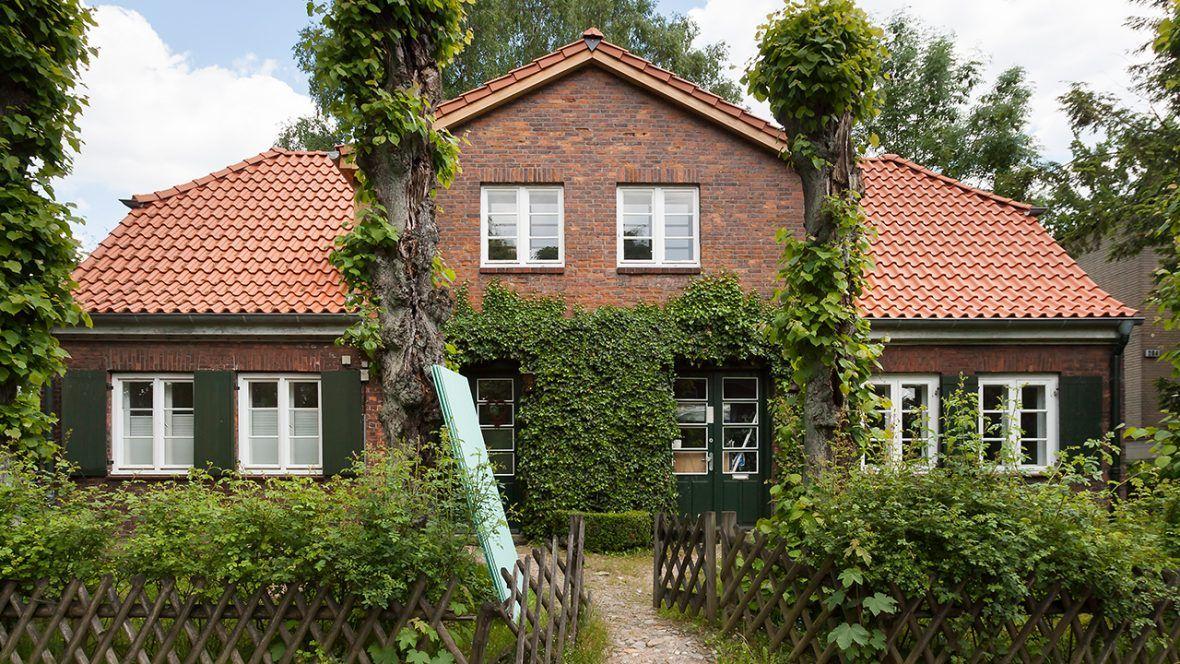 Gemütliches Landhaus mit Hohlfalzziegel Z5 altrot