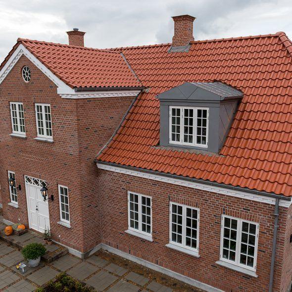 Landhaus mit Hohlfalzziegel Z5 altrot