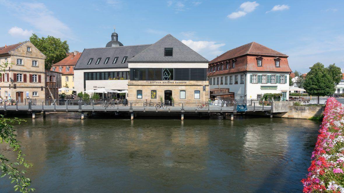 Untere Mühlen in Bamberg mit gedämpften Biberschwanzziegel Geradschnitt