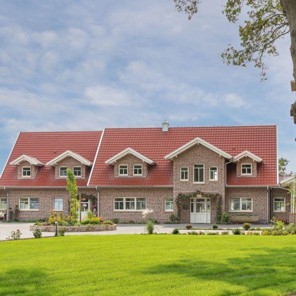 Landhaus mit Doppelmuldenfalzziegel Tradition
