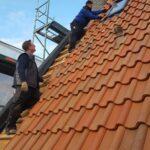 Röbbigturm mit neuen Dachziegeln