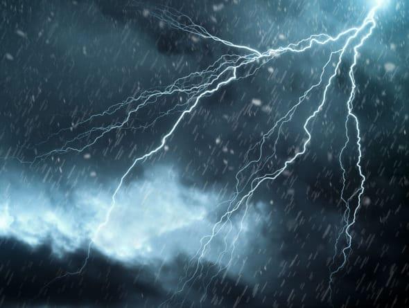 Hagel und Unwetter nimmt immer weiter zu. Dies kann auch erhebliche Schäden an Dachziegeln hervorrufen