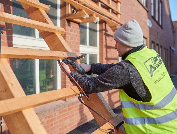 Verlegung der Solardachziegel Stylist-PV